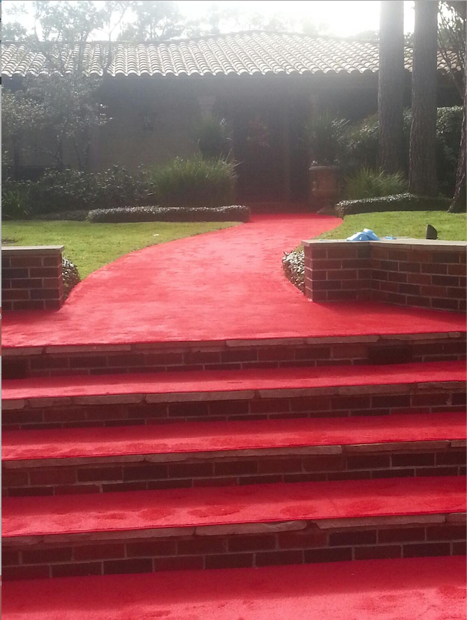 Red carpet ready now that there is a wide pathway